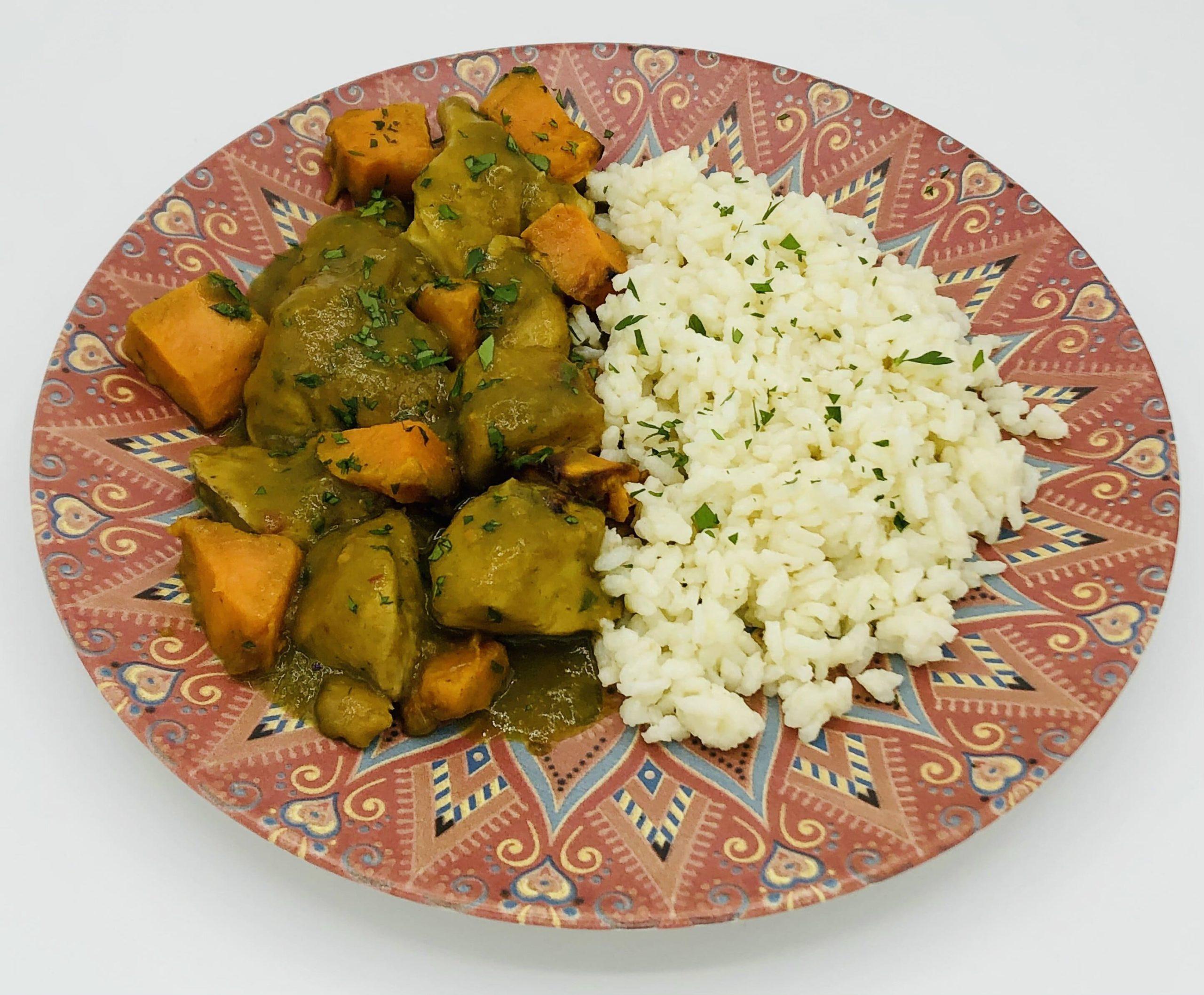 Pollo al curry verde con  arroz (2 platos)